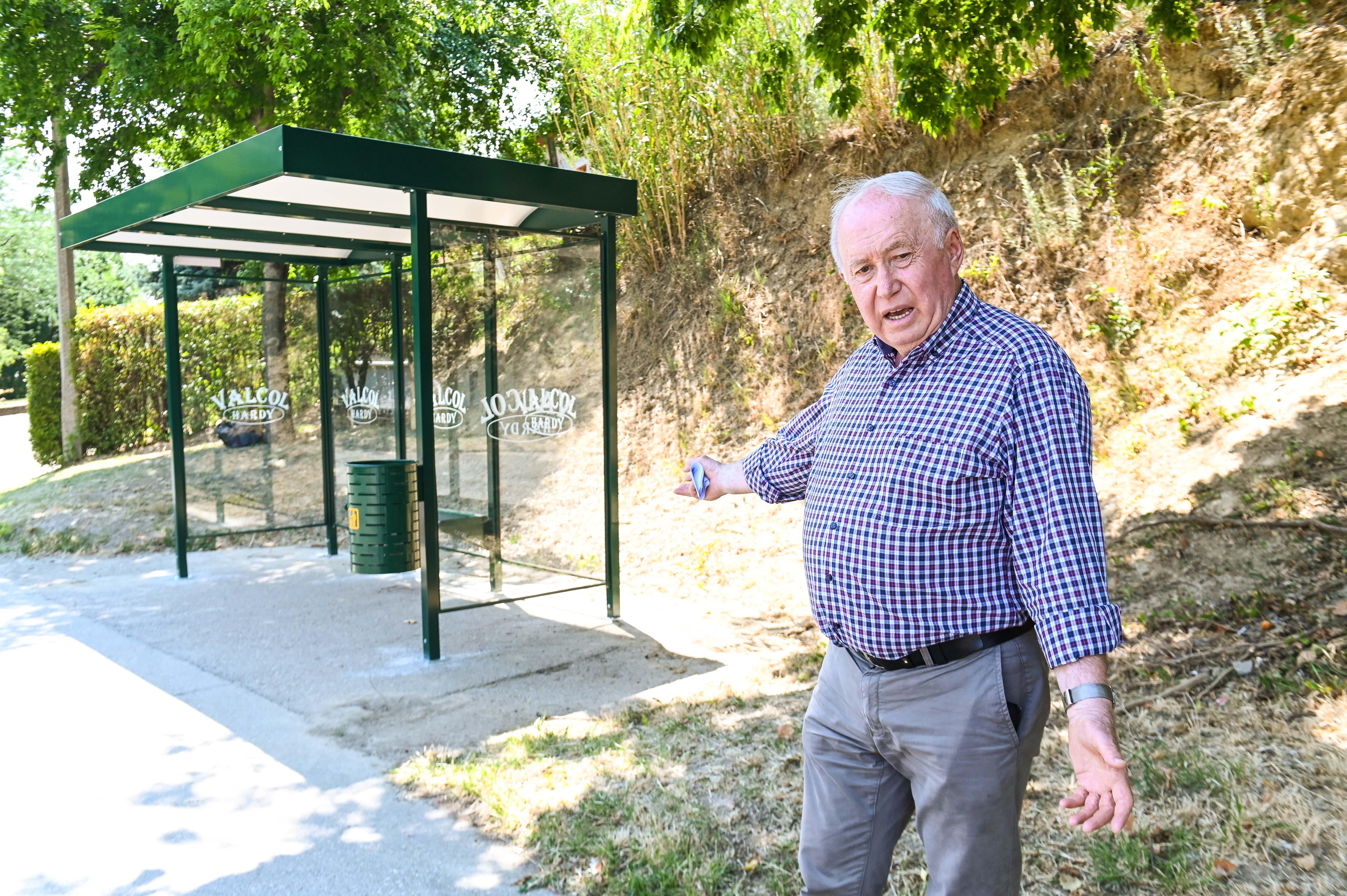 Buszmegállókat korszerűsít az önkormányzat