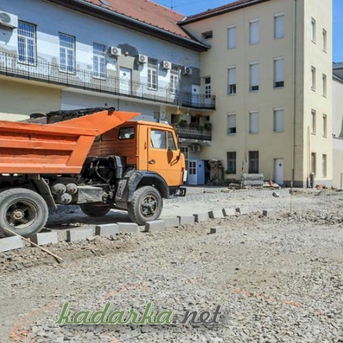Bővül a parkolóhelyek száma Szekszárd belvárosban